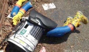HitchBOT-Canada-Broken-Smashed-Pictures-Arms-Pulled-Off-Death-Dead-Robot-Kindness-People-Terirble-Break-Philadelphia-USA-595648