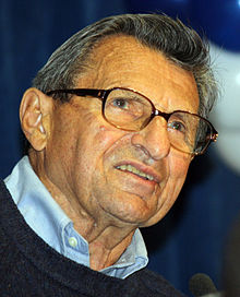 220px-joe_paterno_-_penn_state_-_outback_bowl_pep_rally_123110_cropped