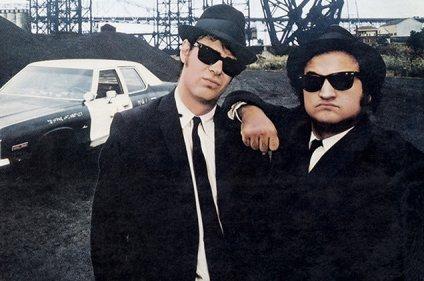 blues-brothers-dan_aykroyd-john_belushi-1979-billboard-650